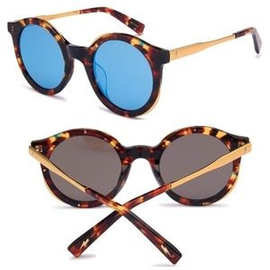 • Blue Mirrored Sunglasses •